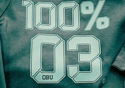100% 03
